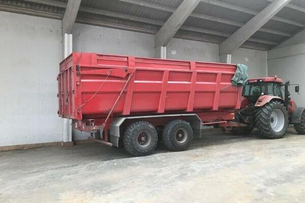Tipping trailer Delaplace